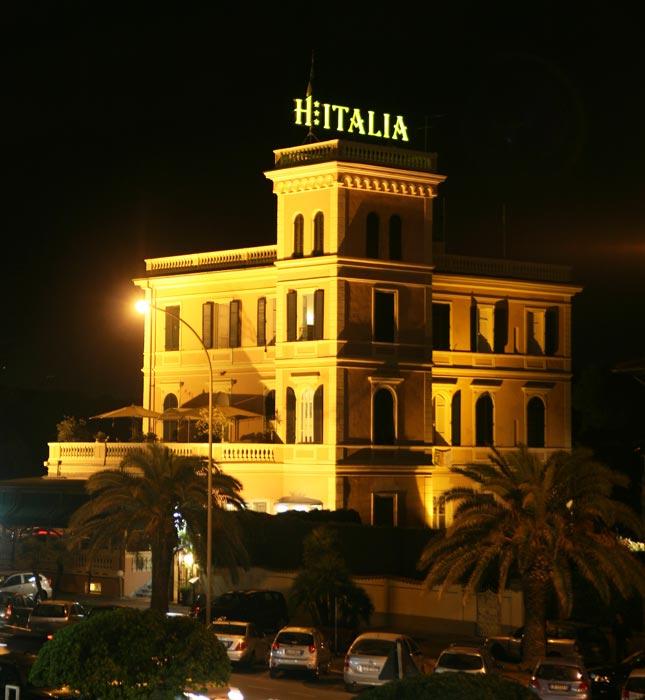 Immagini hotel italia a marina di massa for Design hotel italia